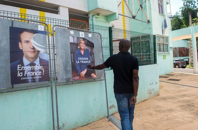 Francuskie plakaty wyborcze /AFP