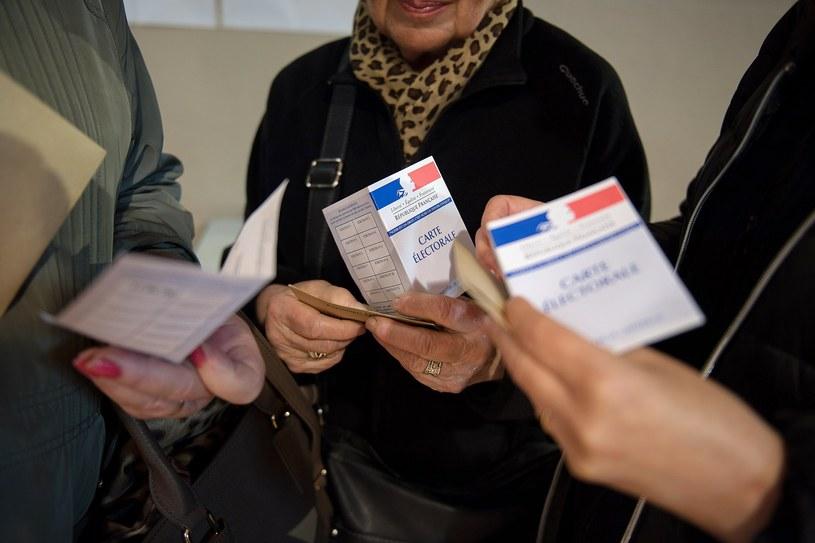 Francuzi głosują w drugiej turze wyborów prezydenckich /PAP/EPA