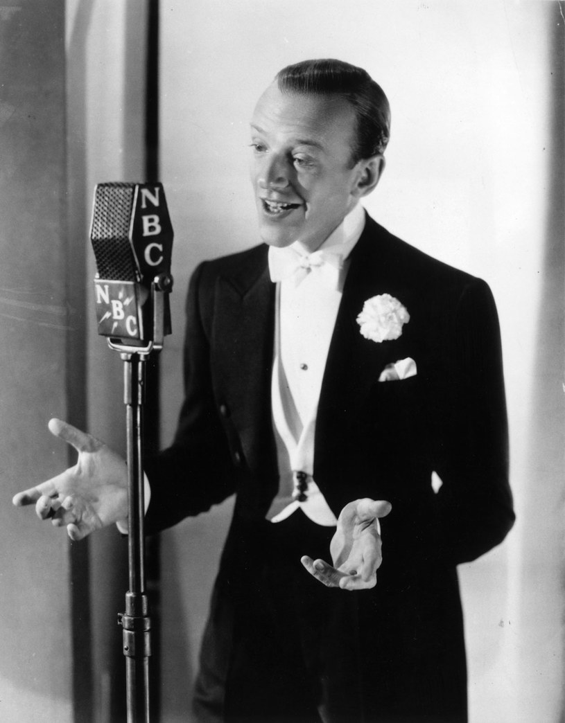 Fred Astaire był idealnym modelem podczas sesji zdjęciowej w 1940 roku /Getty Images