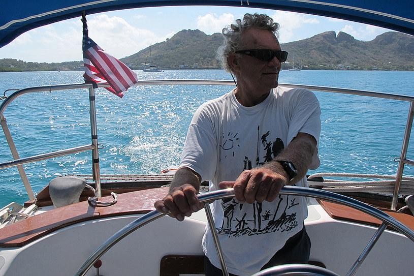 Fred Evans, ojciec autora tekstu, na swojej łódce /fot. Freda Moon /©123RF/PICSEL