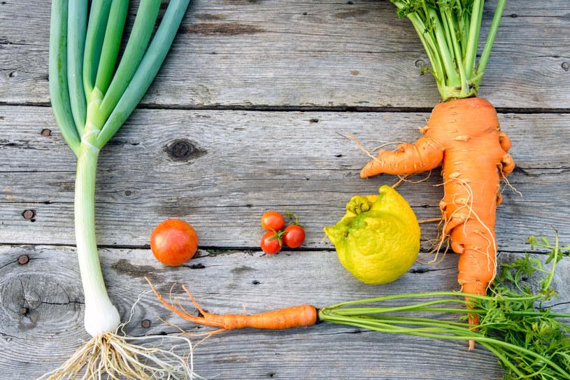 Fruta Feia sprzedaje owoce i warzywa odrzucone wcześniej za swój nieatrakcyjny wygląd /©123RF/PICSEL