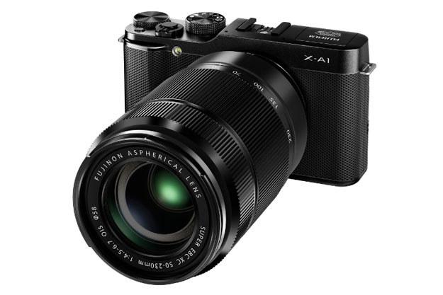 Fujifilm X-A1 z obiektywem Fujinon XC 50-230 mm F4,5-6,7 OIS /materiały prasowe