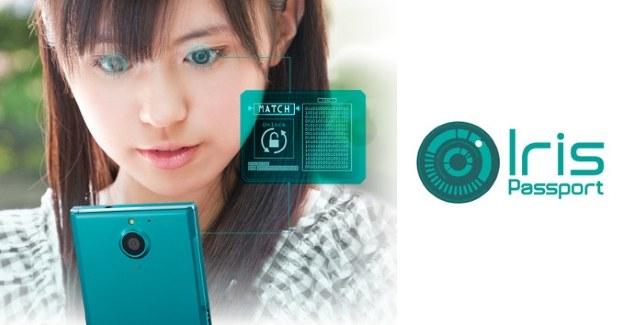 Fujitsu Arrows NX F-04G /materiały prasowe