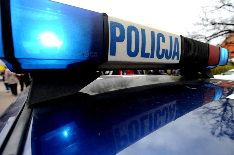 Funkcjonariusze oddali strzały ostrzegawcze. /Wojciech Stróżyk /Reporter