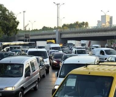 """""""Gadające"""" samochody pomogą uniknąć korków"""