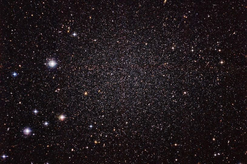 Galaktyka Karłowata w Rzeźbiarzu jest mniejsza, starsza i mniej jasna, niż Droga Mleczna /materiały prasowe
