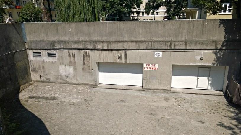 Garaż podziemny na os. Hutniczym także służył niegdyś jako schron... /M. Ostasz /INTERIA.PL
