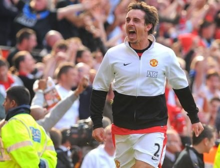 Gary Neville nie lituje się nad Liverpoolem /AFP