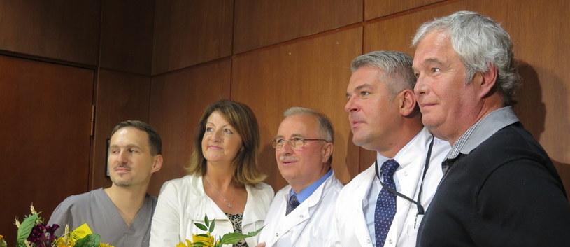 Gary Walling w towarzystkie lekarzy, którzy uratowali mu życie /RMF FM