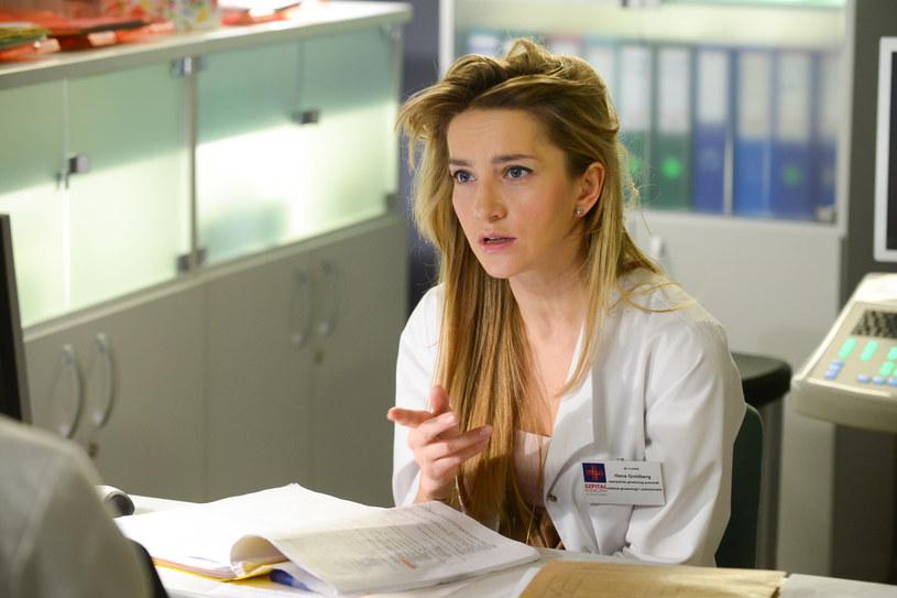 -  Gdy doktor Hana Goldberg (Kamilla Baar) poinformuje moją bohaterkę, że nie spodziewa się dziecka, Krystynie zawali się cały świat - mówi Aldona Orman. /Agencja W. Impact