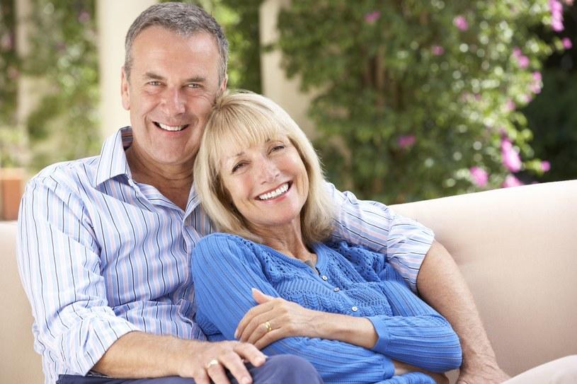Gdy spada aktywność kobiecych hormonów, zmniejsza się też tempo przemiany materii /123RF/PICSEL