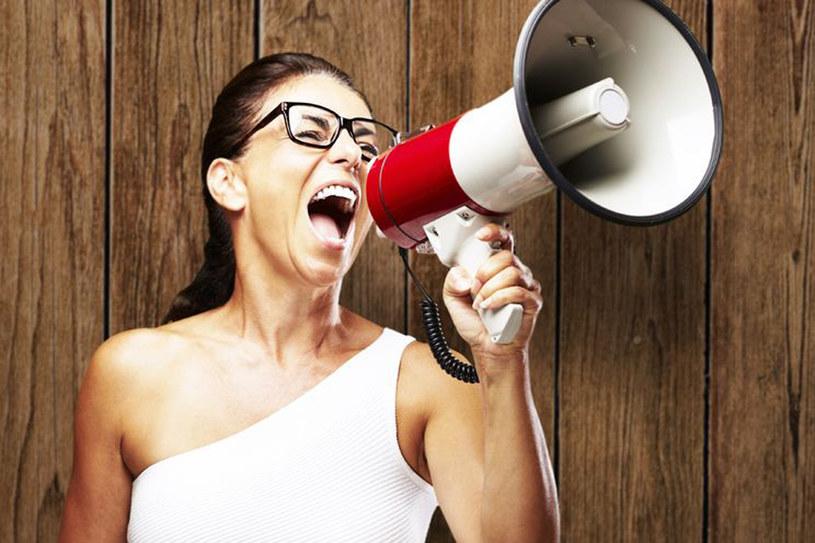 Gdy twój rozmówca przestaje uważać, zaintryguj go. Zadaj mu pytanie /©123RF/PICSEL