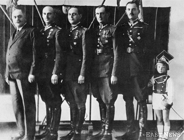 Albert Anders i czterech jego synów: Władysław, Karol, Tadeusz i Jerzy oraz wnuk Jurek, syn Władysława, lata 30.