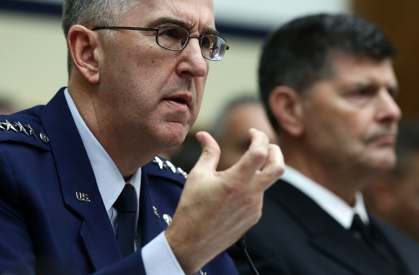 Generał John Hyten /AFP