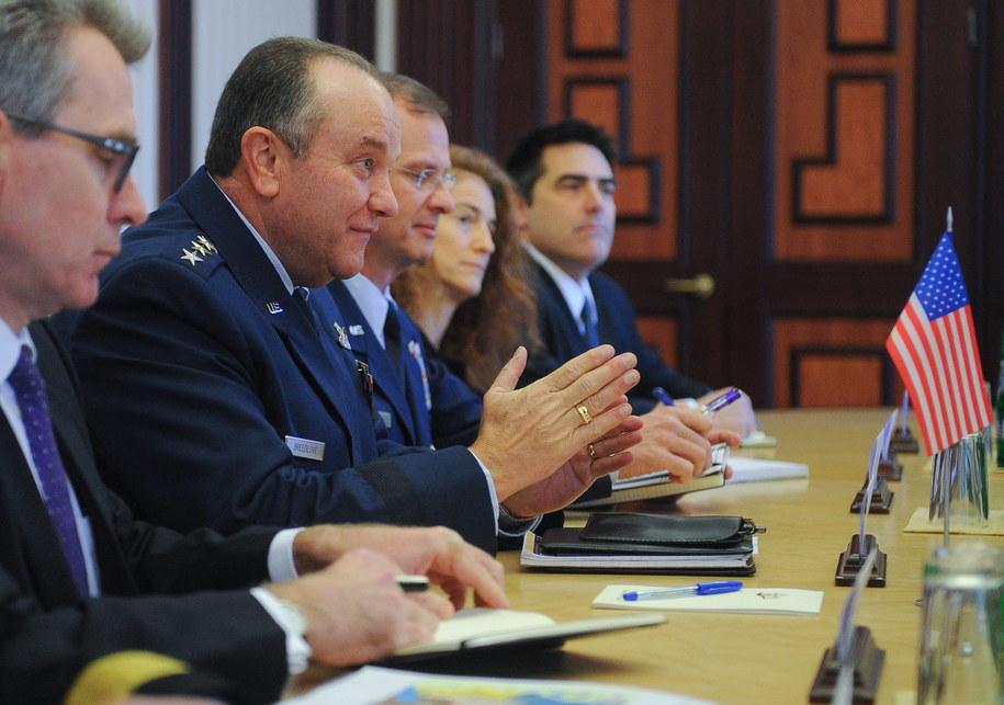 Generał  Philip Breedlove /ANDREW KRAVCHENKO / POOL /PAP/EPA