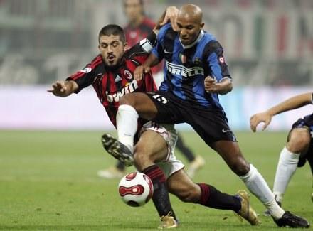 Gennaro Gattuso (z lewej) znany jest z wielkiej waleczności /AFP