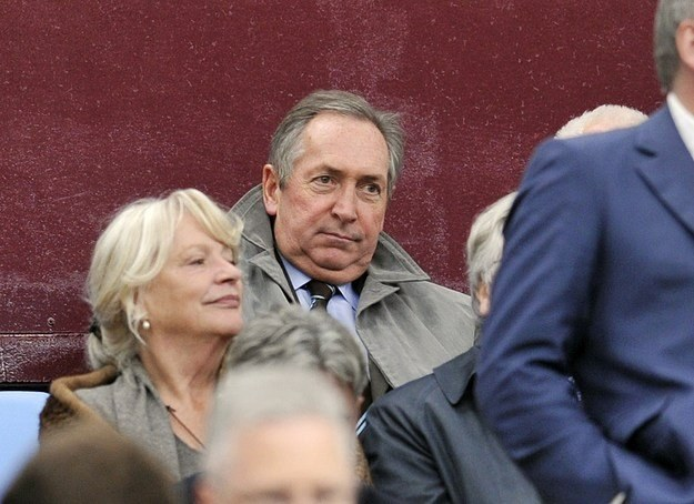 Gerard Houllier już na Villa Park. /AFP