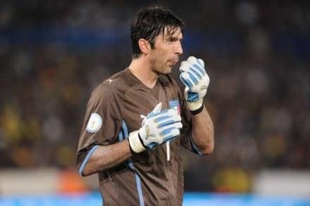 Gianluigi Buffon nie jest zwolennikiem Jose Mourinho /AFP