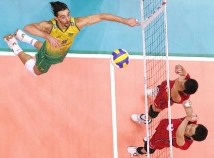 Giba jest w kadrze Brazylii na Ligę Światową /AFP