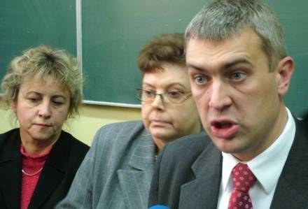 """Giertych ogłosił program """"Zero Tolerancji"""" w szkole, do której chodziła Ania, fot. A. Wrzesiński /East News"""