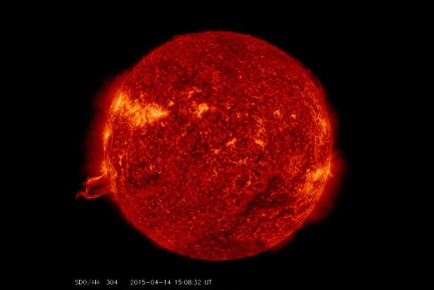 Gigantyczna protuberancja osiągnęła rozmiar połowy średnicy Słońca. /materiały prasowe