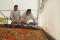 Gigantyczne lasagne w Wieliczce