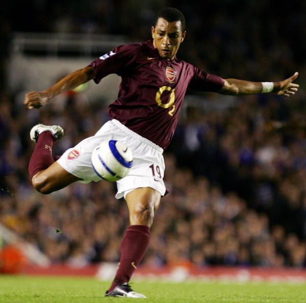 Gilberto przedłużył kontrakt z Arsenalem Londyn /AFP