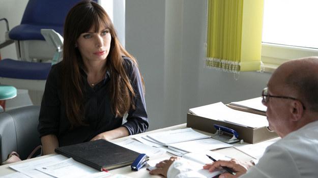Ginekolog nie będzie miał dla Agaty dobrych wiadomości... /x-news/Agnieszka K. Jurek /TVN