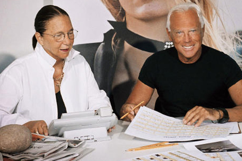 """Giorgio Armani jest nie tylko przyjacielem Carli. Wydali też wspólnie jeden z numerów włoskiej edycji """"Grazii""""/fot. Grazia International Archive /&nbsp"""