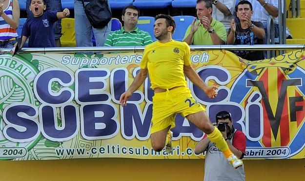 Giuseppe Rossi z powodu kontuzji prawego kolana nie zagra przez pół roku. /AFP