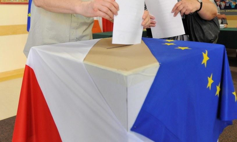 Głosowanie w wyborach do Parlamentu Europejskiego /Bartłomiej Zborowski /PAP