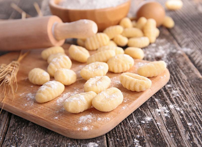 Gnocchi – włoskie kluski, robione z ziemniaków, warzywnego piure i różnych rodzajów mąki /123/RF PICSEL /©123RF/PICSEL