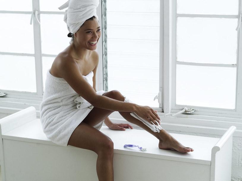 Golenie jest najlepsze dla kobiet, które mają nieliczne jasne włoski  /© Bauer