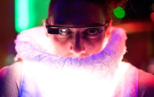 Google Glass nie są jeszcze oficjalnie dostępne na rynku - a od tygodniu wywoływują wiele kontrowersji /AFP