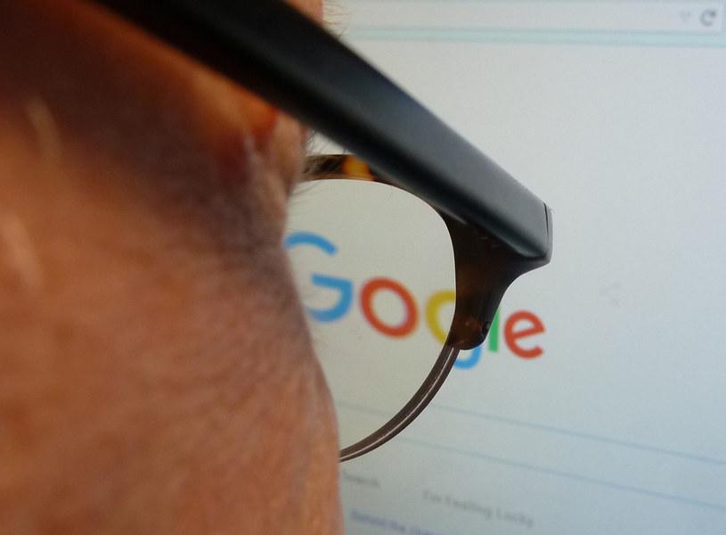 Google ogłosiło coroczną listę haseł najszybciej zyskujących  na popularności w 2015 roku /AFP