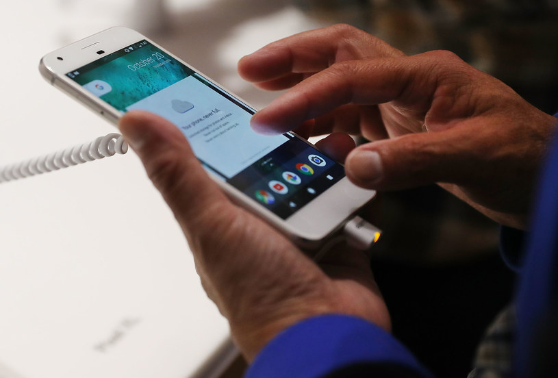Google Pixel jest bardzo udanym smartfonem /AFP