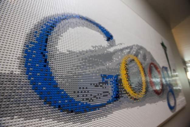 Google znów może odebrać klientów firmie Apple /AFP