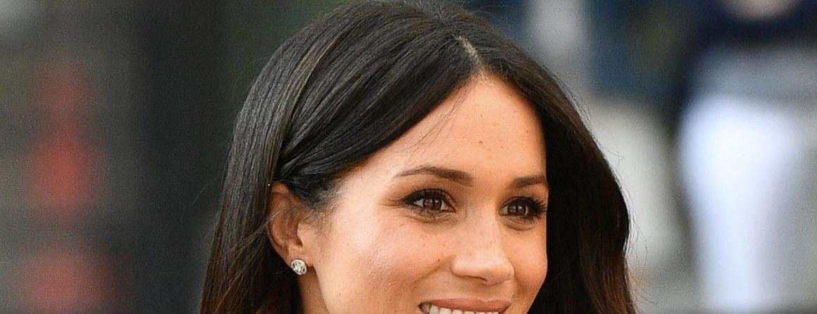 Góralska etola ze sztucznego futra dla przyszłej księżnej Meghan Markle