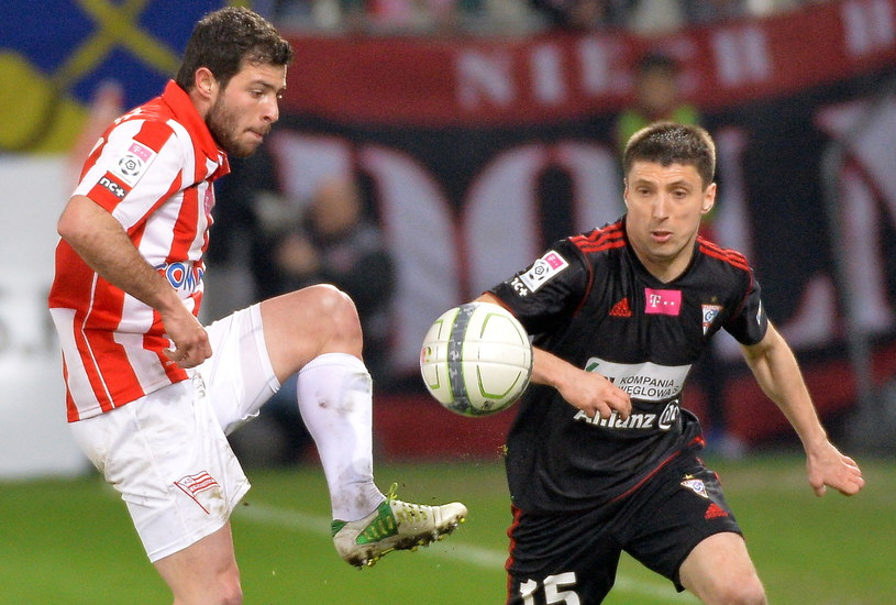 Górnik w swoim ostatnim ligowym meczu przegrał z Cracovią 0-2 /fot. Jacek Bednarczyk /PAP