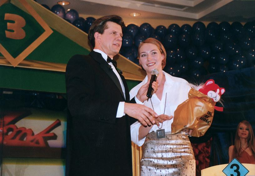 """Gośćmi Zygmunta Chajzera w programie """"Idź na całość"""" były też gwiazdy, m.in. Anita Lipnicka (1999 rok) /AKPA"""