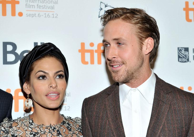 Gosling jest obecnie związany z aktorką Evą Mendes /Getty Images
