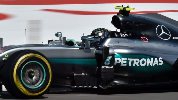 GP Rosji. Mercedes rządził na treningach