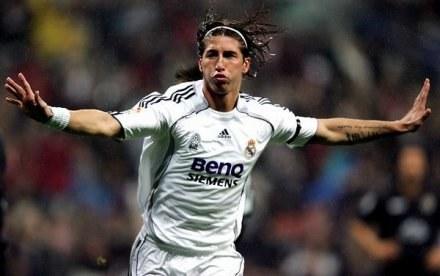 Gra Sergio Ramosa przypadła do gustu działaczom AC Milan /AFP