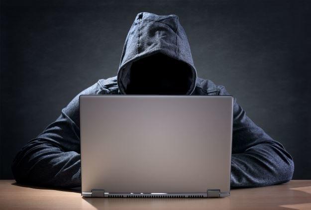 Grasz przez internet? Musisz mieć się na baczności /123RF/PICSEL