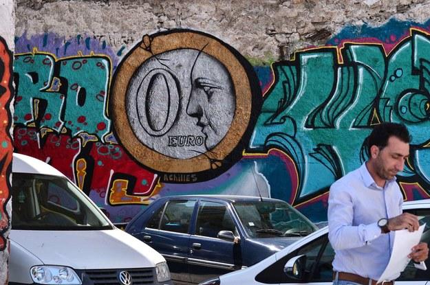 Grecy dostawali 420 euro za... mycie rąk w pracy. Teraz mają kryzys, jakiego świat nie widział /AFP