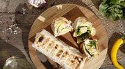 Grillowana tortilla z serem z salami i chilli oraz z awokado i czerwoną cebulą
