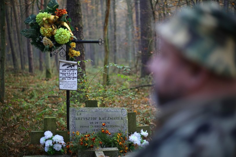 Grób jednego z trzech chłopców zamordowanych przez Trynkiewicza w 1988 roku. /Adam Staśkiewicz /East News