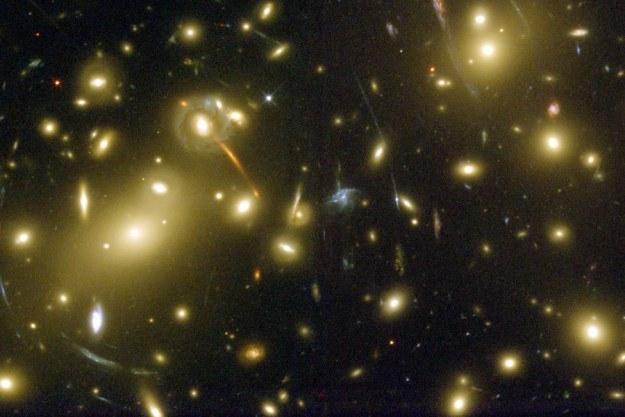 Gromady galaktyk szybciej zużywają gaz gwiazdotwórczy /NASA