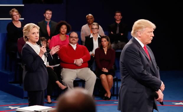 Grubiutki jegomość w średnim wieku, pracownik elektrowni w stanie Missouri, był jednym z tak zwanych przeciętnych Amerykanów, których zaproszono na drugą telewizyjną debatę obojga kandydatów /Getty Images