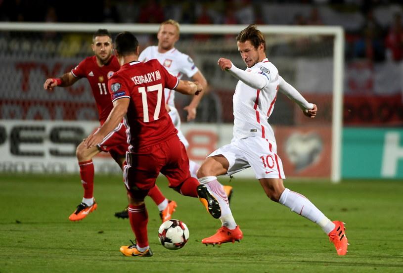 Grzegorz Krychowiak (P) w meczu z Armenią (6-1) /Bartłomiej Zborowski /PAP